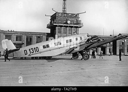 The Junkers G 31 D-1310 at Croydon Airport after its first international flight. - Stock Image