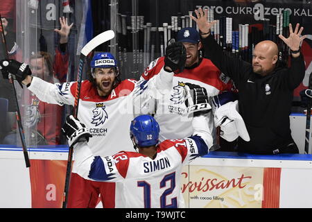 Bratislava, Slovakia. 21st May, 2019. L-R Michael Frolik, Dominik Simon, Pavel Francouz and masseur Zdenek Smid celebrate Frolik's goal during the match between Czech Republic and Switzerland within the 2019 IIHF World Championship in Bratislava, Slovakia, on May 21, 2019. Credit: Vit Simanek/CTK Photo/Alamy Live News - Stock Image