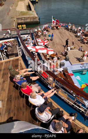 Portugal, Porto, Matosinhos, Leixoes Harbour, MV Marco Polo,  passengers on deck in sunshine - Stock Image