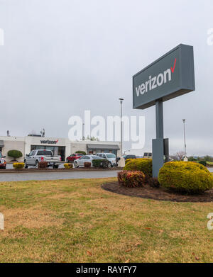 HICKORY, NC, USA-1/3/19: Verizon retail building and sign, selling telecommunications services and products. - Stock Image
