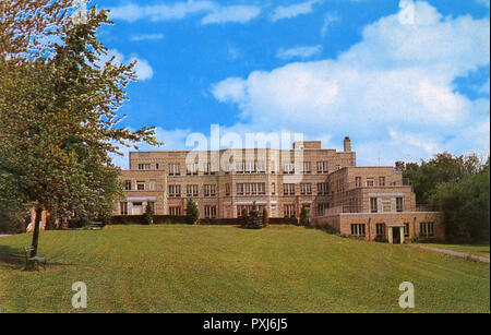 Lockport, Niagara County, New York, USA - Mount View Hospital. The Shaw Building opened in 1931.     Date: circa 1930s - Stock Image