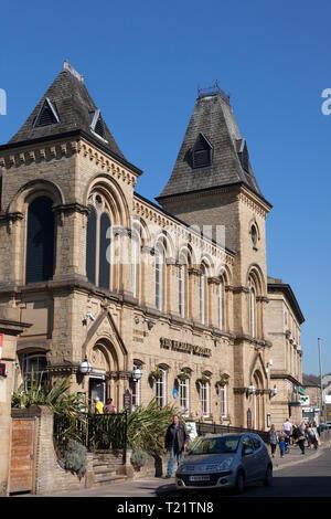 'The Richard Oastler' Wetherspoons pub, Brighouse, West Yorkshire - Stock Image