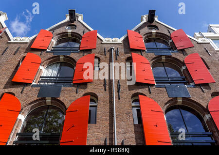 Traditional Dutch building at Prinsengracht canal in Amsterdam, Netherlands - Stock Image