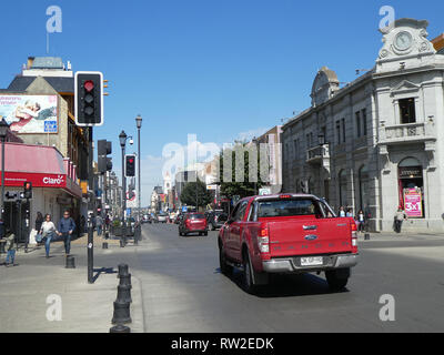 Traffic lights at road intersection street scene Chile 2019 - Stock Image