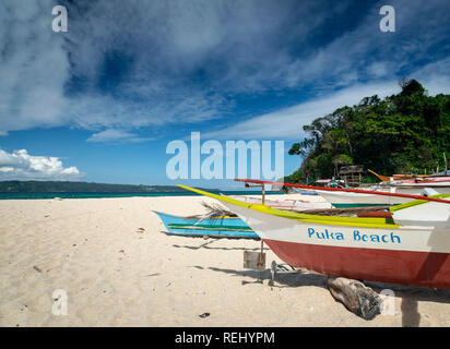 famous puka beach view on tropical paradise boracay island in philippines - Stock Image