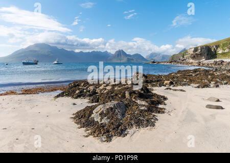 The coastline at Elgol overlooking the Cuillin Mountain range, Isle of Skye, Scotland, UK - Stock Image