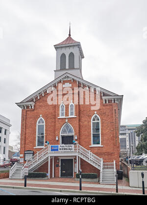Front exterior of the Dexter Avenue King Memorial Baptist Church, where Martin Luther King Jr preached, in Montgomery Alabama, USA. - Stock Image