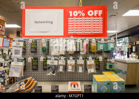 LONDON, UK -10th Mar 2018: Maplin store on Cheapside offers heavy discounts to customers before closing down. - Stock Image