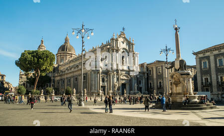 PIazza del Duomo with the Cathedral of Saint Agatha (Sant'Agata) & the Elephant fountain, Catania, Sicily, Italy. - Stock Image