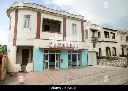 Cuba, Havana. Building with pharmacy. Credit as: Wendy Kaveney / Jaynes Gallery / DanitaDelimont.com - Stock Image