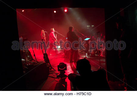 British band Squeeze, performing at The Commodore in Vancouver, BC, Canada (L-R Lucy Shaw, Glenn Tilbrook, Chris - Stock Image