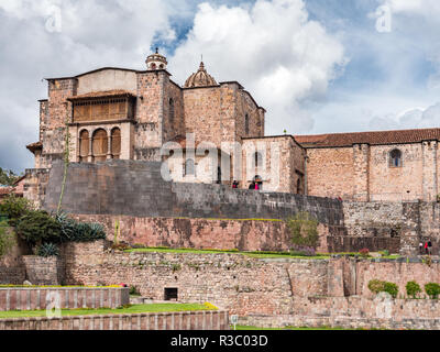 Cusco, Peru - January 3, 2017. View of the external facade of the Qorikancha temple in downtown Cusco - Stock Image