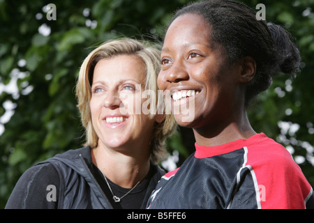 Sally Gunnell and  British 100m hurdler Sarah Claxton at the Norwich Union International athletics meeting at Scotstoun - Stock Image