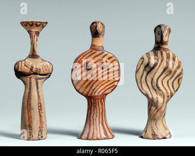 6374. Myceneann Terracotta female figurines dating c. 1400-1300 BC. - Stock Image