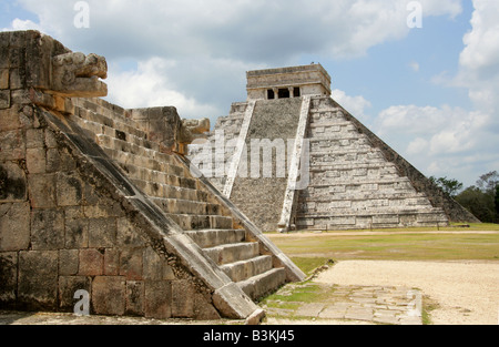 The Platform of Venus and the Castle Pyramid (El Castillo Pyramid) or Temple of Kukulcan, Chichen Itza, Yucatan, - Stock Image