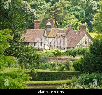 Mote Farm Cottages, Ightham Mote, Ivy Hatch, Sevenoaks, Kent, England, UK - Stock Image