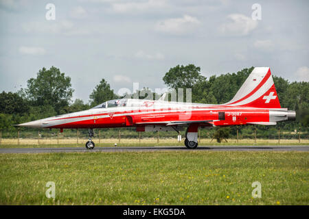 Swiss Air Force F5E Northrop Tiger of the Patrouille Suisse aerobatic team - Stock Image