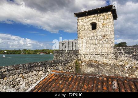 Castillo De San Felipe De Lara Medieval Old Spanish Colonial Fort Building Exterior near Rio Dulce in Guatemala - Stock Image