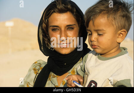geography / travel, Syria, young Syrian with child, Palmyra, Additional-Rights-Clearance-Info-Not-Available - Stock Image