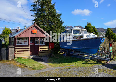Village Post Office in picturesque village of Plockton on Loch Carron, Highland Region, Scotland - Stock Image