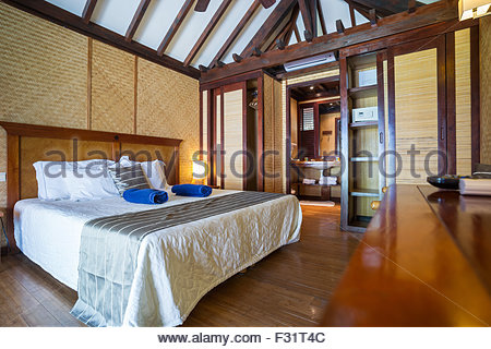 Rangiroa : interior of a bungalow at Maitai Hotel (French Polynesia) - Stock Image