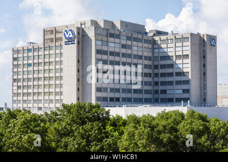Miami Florida VA Department of Veterans Affairs Hospital government-run medical facility military benefit building health care - Stock Image