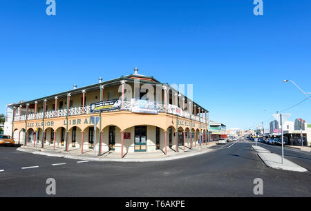 View of Charters Towers main street with the Excelsior Library building, a reconstruction of the original hotel which burnt down in 1995, North Queens - Stock Image