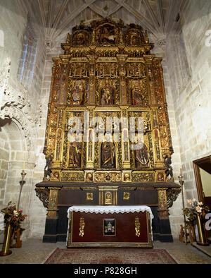 Spain, Galicia, province of La Coruña, Betanzos. Santiago Church. Gothic church built in 15th century by Fernan Perez de Andrade. Altarpiece of the Chapel of St. Peter and St. Paul. Work of the sculptor Cornielles of Holland (16th century). General view. Renaissance style. - Stock Image