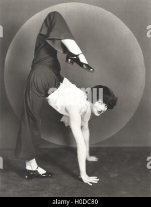 Female contortionist - Stock Image