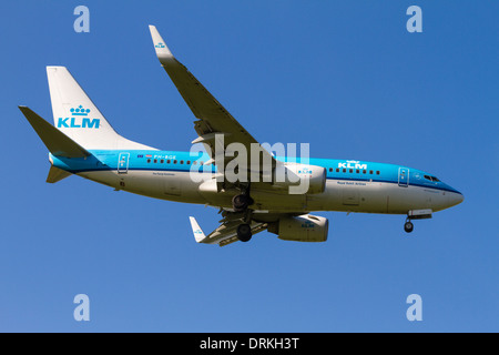 KLM Boeing 737 to land - Stock Image