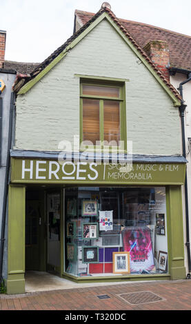 Heroes, a shop in Chesham High Street specialising in sport, music and film memorabilia - Stock Image
