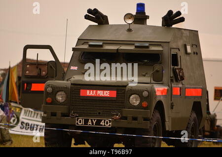 RAF Police, cold war, armoured police Land Rover - Stock Image