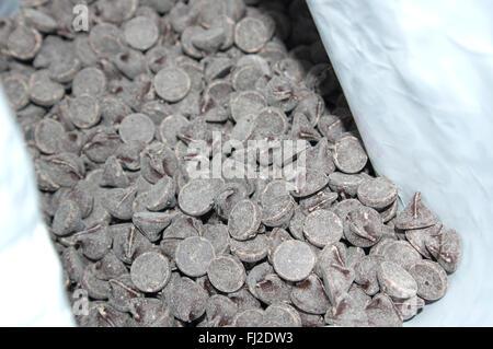 chocolate chips, chocolate - Stock Image