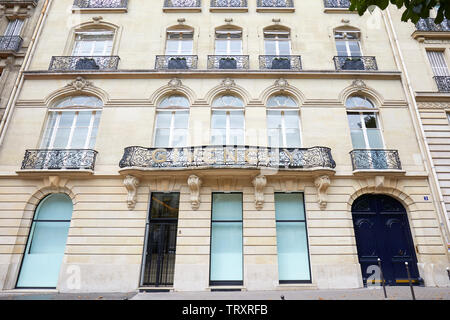 PARIS, FRANCE - JULY 22, 2017: Givenchy building in avenue George V in Paris, France. - Stock Image