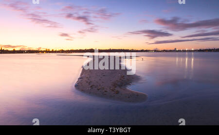 Point Walter sandbar extending out into the Swan River in in Bicton - Stock Image