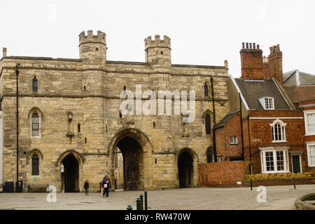 Exchequergate medieval gate house leading to Lincoln Cathedral, Lincolnshire, England - Stock Image