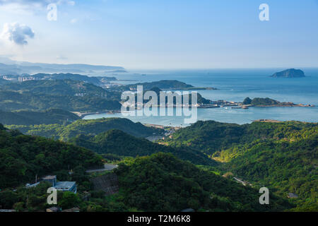 Sunset view of the ocean coastline of Taiwan seen from Jiufen village, Taipei. - Stock Image