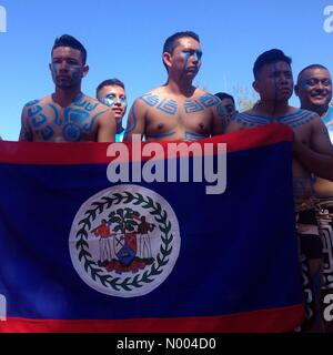 Yucatán, Mexico. 19th Sep, 2015. Players from Belize hold their national flag at the opening ceremony of the - Stock Image