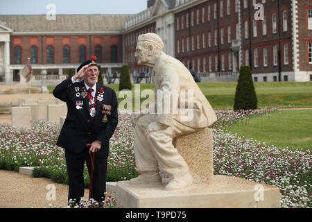 D-Day and Operation Market Garden veteran Joe Cattini, at the opening of the D-Day 75 Garden at the RHS Chelsea Flower Show at the Royal Hospital Chelsea, London. - Stock Image