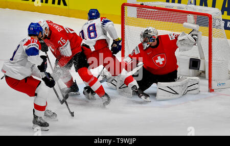 Bratislava, Slovakia. 21st May, 2019. L-R Tomas Zohorna (CZE), Joel Genazzi (SUI), Ondrej Palat (CZE) and Reto Berra (SUI) in action during the match between Czech Republic and Switzerland within the 2019 IIHF World Championship in Bratislava, Slovakia, on May 21, 2019. Credit: Vit Simanek/CTK Photo/Alamy Live News - Stock Image