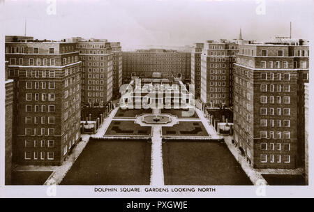Dolphin Square Gardens, looking North - Pimlico, London.     Date: 1956 - Stock Image