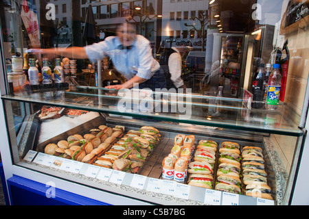 Frankfurt Haubtbahnhof Hbf railway station fastfood sandwiches - Stock Image