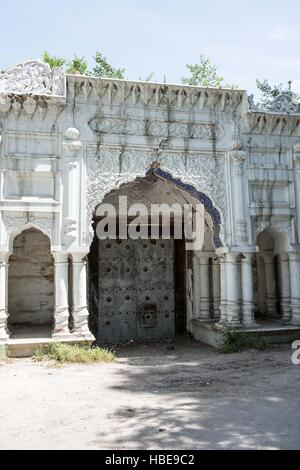 Entrance to Chitral Fort , with signs of damage by earthquakes - Stock Image