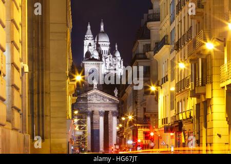 Sacre-Coeur Basilica at night in Paris, Fraance - Stock Image