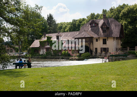 18th century Moulin de Fourges water mill, Fourges, Vexin sur Epte, nr Givny, Eure, Normandy, France - Stock Image