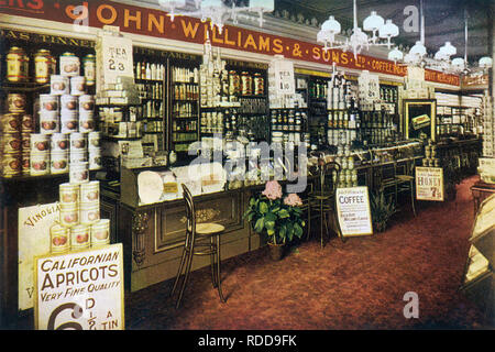 EDWARDIAN GROCERY STORE at 50-52 Burton Road, West Didsbury, near Manchester, about 1912 - Stock Image