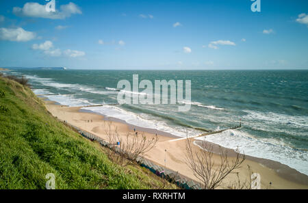 Bournemouth, Dorset, UK. 10th March 2019. Large waves crash on Bournemouth beach as the strong winds continue across the UK. Credit: Thomas Faull/Alamy Live News - Stock Image