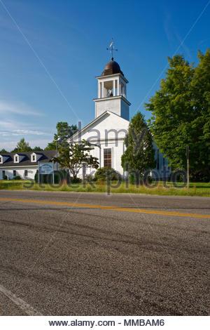 White church, North Yarmouth, Maine, USA - Stock Image