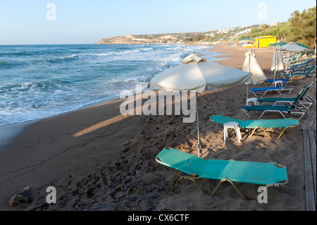 Deserted beach at sunset, Crete Greece - Stock Image