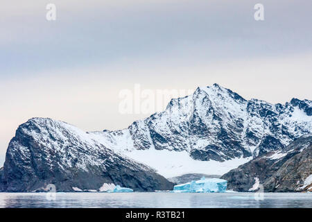 Greenland. East Greenland. Liverpool Land. Warming Island. Strait with icebergs. - Stock Image